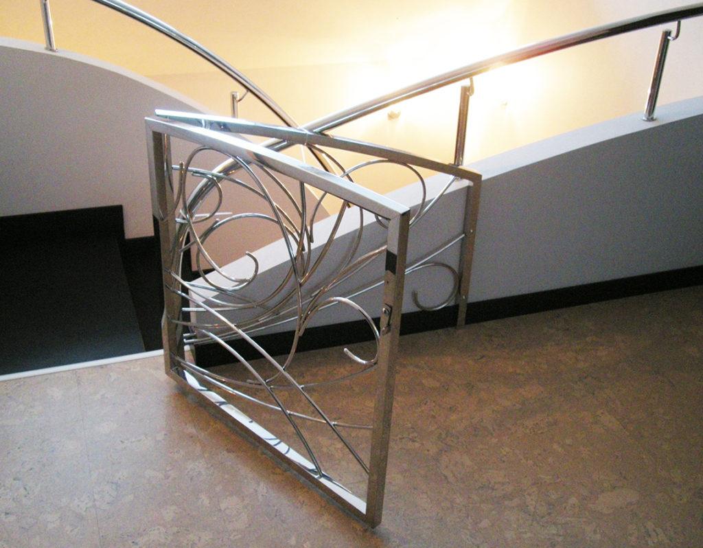 защита лестницы от детей